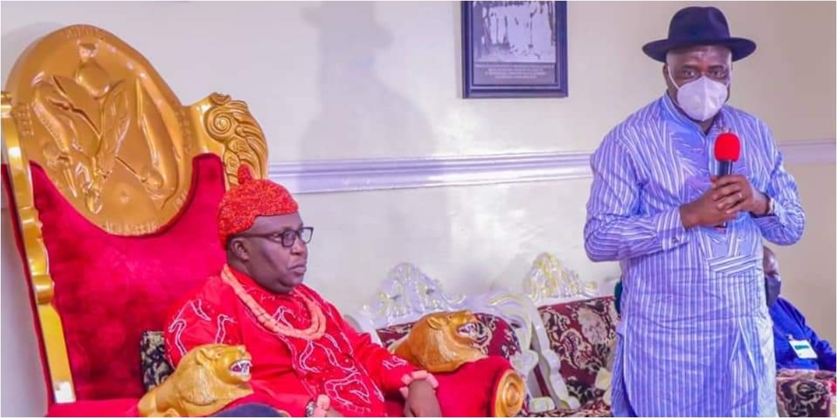 Gov. Diri at the palace of the Pere of Akugbene-mein
