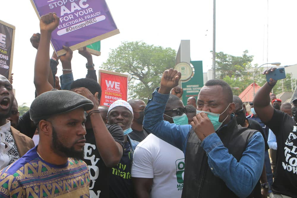 PhotoNews: Sowore leads AAC party members on a protest at INEC headquarters