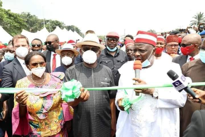 Gov. Wike (middle);  his Deputy, Dr (Mrs) Ipalibo Harry-Banigo (left) and former Governor of Kano State, Rabiu Musa Kwankwaso (right) at the inauguration of Rumuogba flyover on Tuesday