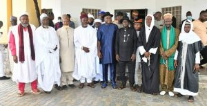 Diri (in blue attire) and the leadership of the Muslim community in the state